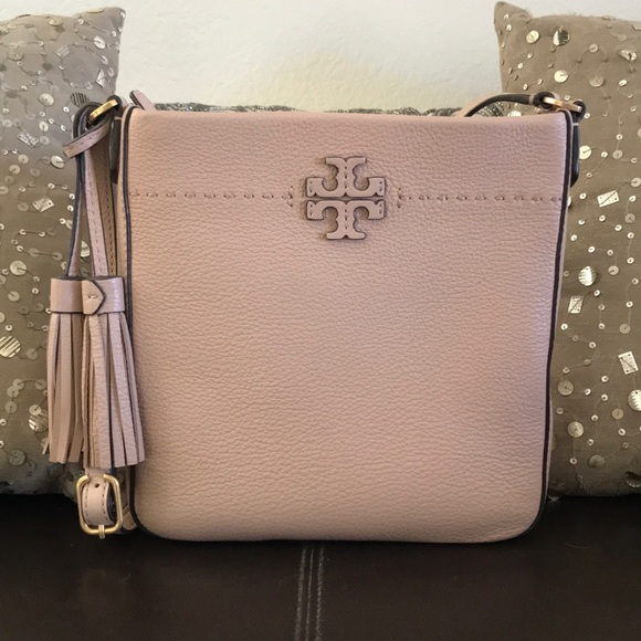 9cb555d0ceef Tory Burch McGraw Leather Crossbody Tote Sand. M 5bc769a5d6dc5251a6e11bbb
